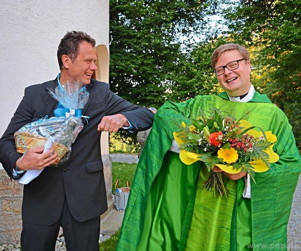 Bürgermeister Gerd Lorenz (Lindberg) freut sich auf den gemeinsamen Weg mit dem neuen Pfarrer Carl Christian Snethlage