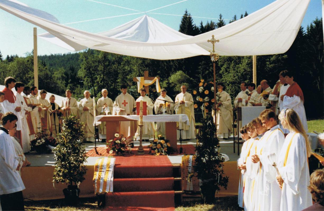 Am 7. Juli 1991 feiert Alois Ganserer seine Primiz in Ludwigsthal
