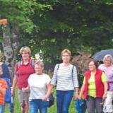 Die Pilger aus Zwiesel und Lindberg machten sich trotz des aufziehenden Gewitters auf den Weg zum Herz-Jesu-Patrozinium nach Ludwigsthal.