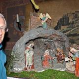 Kirchenpfleger Reinhard Kopp (Bild) und Pfarrgemeinderatsvorsitzender Josef Käser haben eigens für unsere Leser einen kleinen Teil der Osterrieder-Krippe in der Kirche aufgestellt. −Foto: Menigat