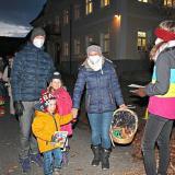 Osterlichtfeier 2021: Nach der Osterlichterfeier bekamen die Kinder noch ein Malbuch geschenkt.