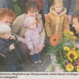 Vor 15 Jahren: Felix, Selina und Julia begrüßen den neuen Pfarrer